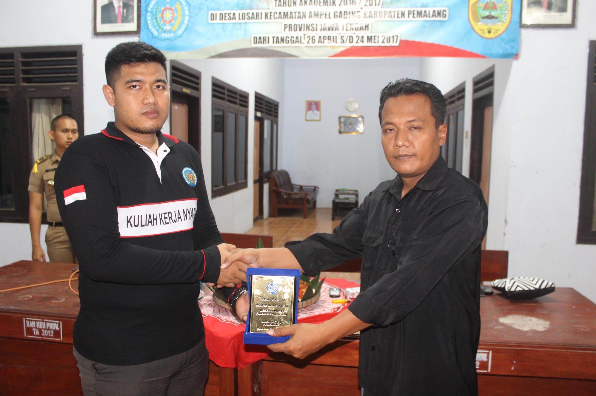 Perpisahan Praja IPDN Di Desa Losari